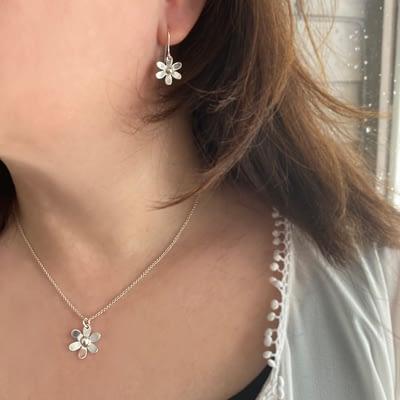 Halssmykke – Daisy