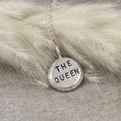 Halssmykke «The queen»